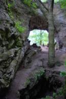 ... nebo též brána Axamitova.
