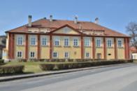 Budova zámku.