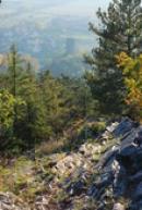 Pohledem z hradu Točník.