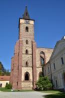 Věž od jihu.