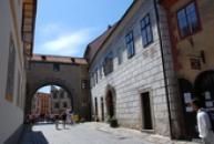 Latrán, brána směrem k centru.