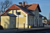 Zdejší nádraží.