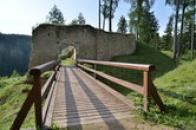 Most ke druhé bráně.