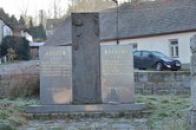 Památník obětem heydrichiády.