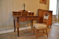 Stůl z poštovního úřadu.