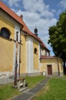 Jižní strana kostela sv. Václava.