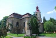 Pohled na kostel sv. Zikmunda.