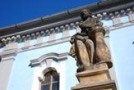 Detail sochy u hrobní kaple Mladotů ze Solopysk.