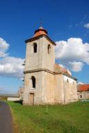 Kostel sv. Jana Evangelisty v Zahořanech.