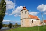Kostel sv. Jana Evangelisty v Zahořanech nedaleko Kadaně.