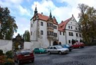 Dolní zámek postavený v renesančním slohu.