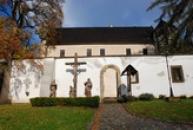 Horní zámek vystavěný stylem saské pozdní gotiky.