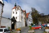 Dolní zámek postavený renesančně.