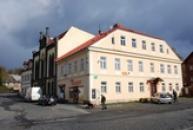 Městské muzeum - rodný dům Tadeuse Haenkeho.