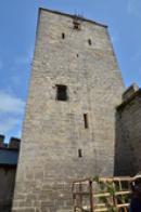 Věž pohledem z nádvoří.