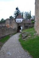 Cestou z hradního nádvoří.