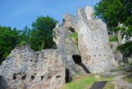 Spodní nádvoří hradu.