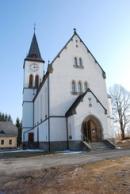 Zdejší kostel Nejsvětějšího Srdce Páně.