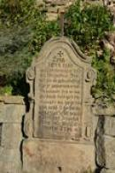 Tajemný náhrobek.