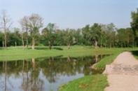Nově vybudovaný rybník na Bakovském potoce.