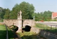 Historický kamenný most.