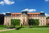 Budova lánského zámku.
