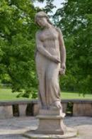 Lidická žena s růží.