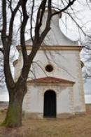 Průčelí kostela svatého Ducha.