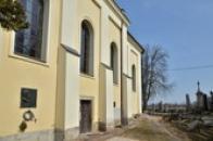 Kostel sv. Vavřince na zdejším hřbitově.