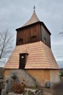 Dřevěná zvonice.