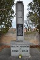 Památník padlým hrdinům.