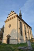 Průčelí kostela sv. Jiří.