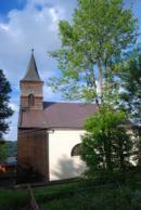 Pohled na kostel Neposkvrněného početí Panny Marie v Hojsově Stráži.