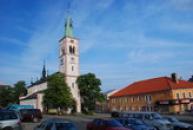 Náměstí s kostelem sv. Markéty.