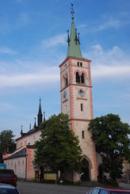 Kostel sv. Markéty na náměstí.