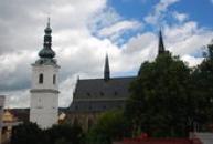 Bílá věž a arciděkanský kostel Panny Marie.