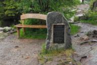 Pomník Ottokara Karejse.