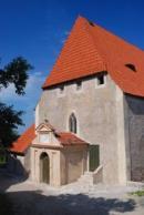 Průčelí kostela Nejsvětější Trojice.