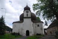 Kostel Panny Marie Pomocné postavený v barokním slohu.