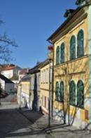 Kostelní ulicí k zámku.