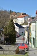 Pohled z Kostelní ulice.