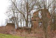 Ruiny starého stavení.
