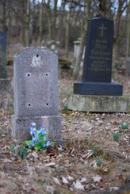 Květiny na zdejším hřbitově.