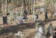 Pohled ze zdejšího hřbitova.