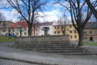 Kašna na náměstí.