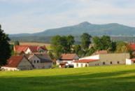 Pohled od Lázní Kundratic.