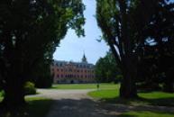 Východní křídlo zámku pohledem ze zámeckého parku.