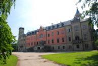 Východní křídlo zámku Sychrov.