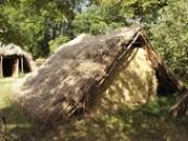 Staroslovanský dům ze 6. století.