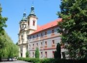 Zdejší klášter Nanebevzetí Panny Marie augustiniánského řádu.